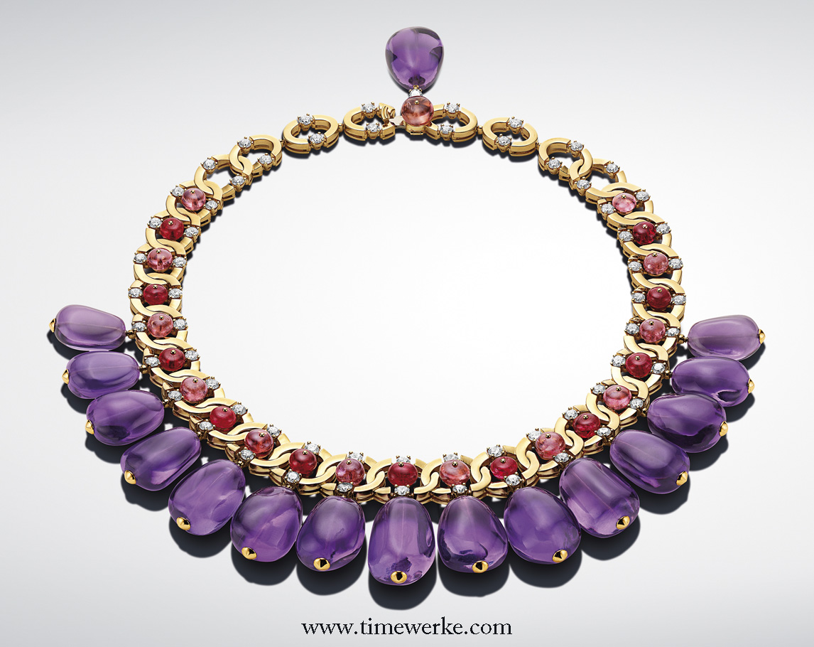 Bulgari MVSA Viola necklace with 16 amethysts of 504.54 carats, pink tourmalines of 33.68 carats, round red spinels of 25.09 carats interlaced with yellow gold and 63 brilliant-cut diamonds of 12.98 carats. Photo: © Bulgari