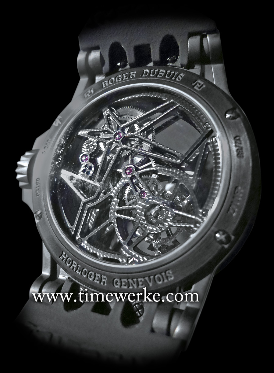 There is a reason why this Roger Dubuis Excalibur Spider Skeleton Flying Tourbillon is part of its Astral Skeleton collection. Notice the star symbol on the case back? This symbol is also found on the dial side. Photo: © TANG Portfolio. Elfa / Timmy. 2015 Salon International de la Haute Horlogerie.