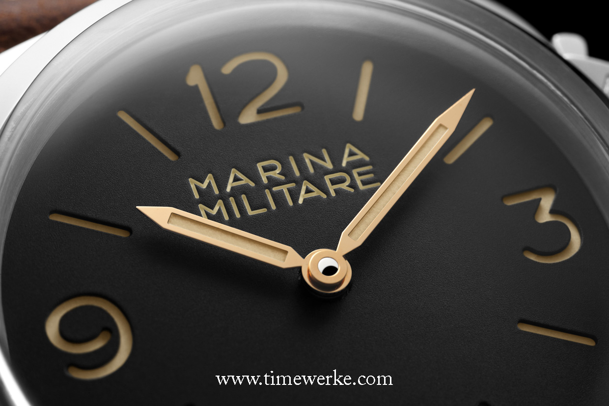 "There is no branding on the dial. On the upper half, ""Marina Militare"" is inscribed on this sandwich dial. A domed Plexiglas is used on the front and sapphire crystal is on the case back. Photo: © Panerai"